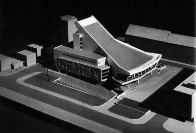 A színház utolsó kiviteli terve, még Harmati János betonplasztikájával, 1971