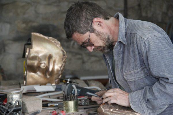 Kolozsi Tibor munka közben