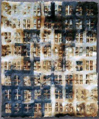Lieber Erzsébet: Ház-lap No. 6., 2001 (cellulózmassza, teafilter, pigment)