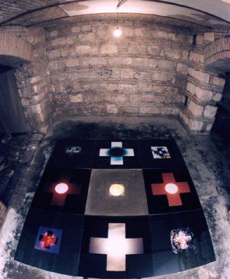 FöldNapéjegyenlőség, installacio, Black-Black Galéria, 2000 (Kelényi Bélával)