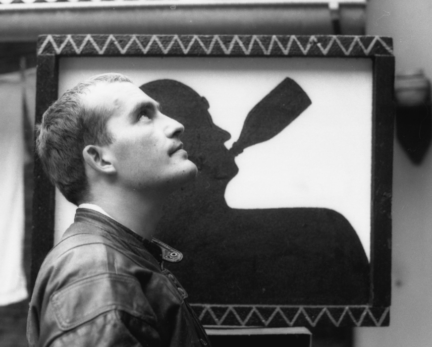 Bada Dada, festményével